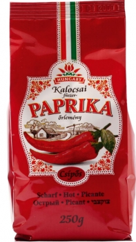 Ground spiced paprika from Kalocsa in paper bag Scharf 250g